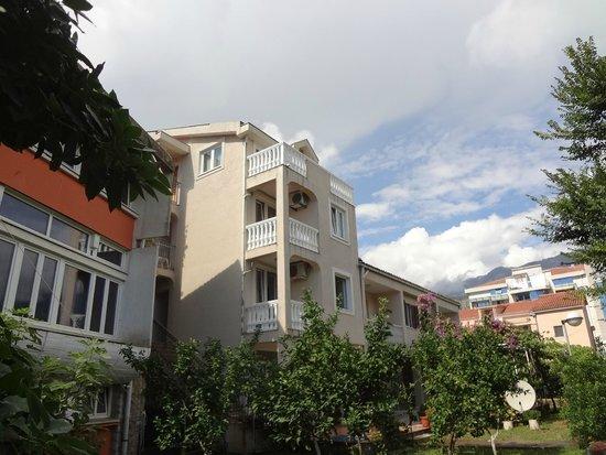 Apartments Elena