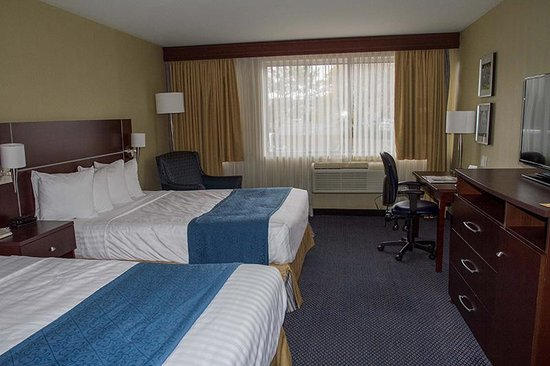 Quality Inn & Suites: Queen bed