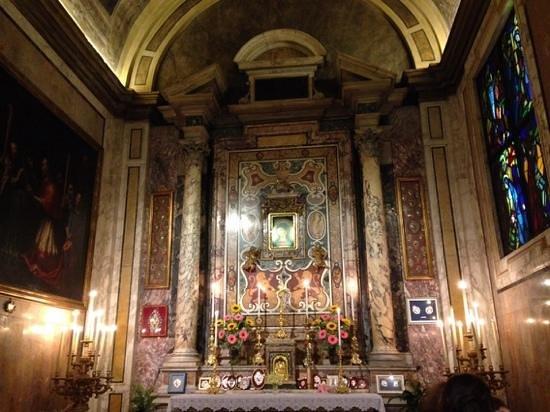 Santa Maria in Via: la cappella con l'immagine miracolosa