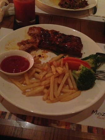 Mozzarella Restaurant and Bar: Ribs mmmmmm