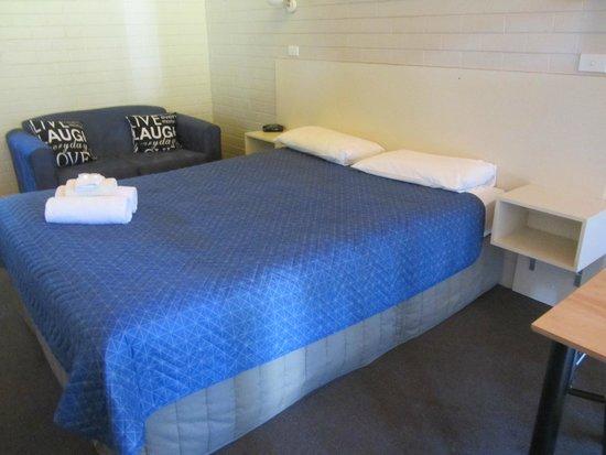 Jetty Motel: Motel room