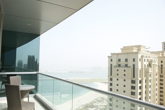 JA Oasis Beach Tower: Looking Out Towards The Palm Jumeira
