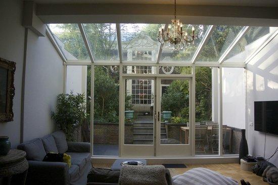 Keizersgracht Residence: リビングと庭、離れ