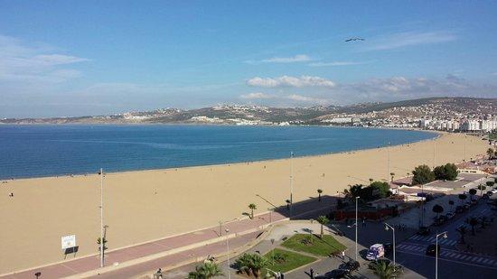 Atlas les Almohades Tanger: Vistas del 5° hacia el mar