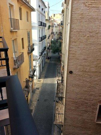 Antigua Morellana HS: View from room to Calle Ercilla