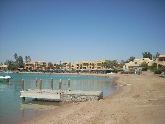 Three Corners Rihana Inn: Hotel beach