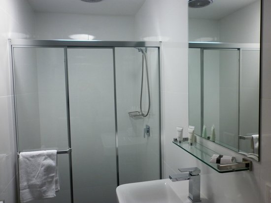 North Adelaide Boutique Stayz Accommodation: bathroom