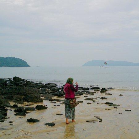 Tengah Beach: Morning walk