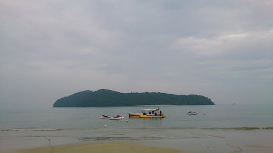 Tengah Beach: water sports