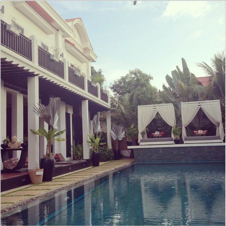 Mulberry Boutique Hotel: pool area