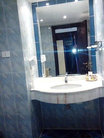 Al Nabila Grand Bay Makadi: Bathroom