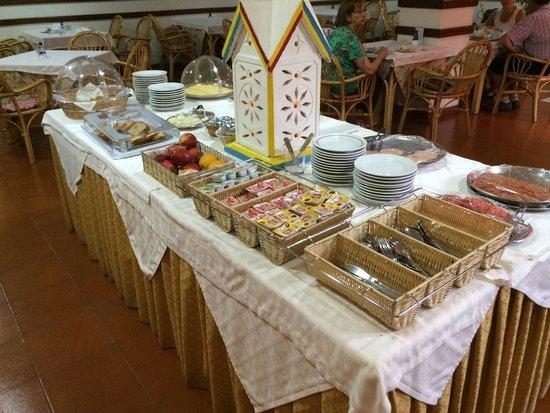 BEST WESTERN Hotel Dom Bernardo: Part of breakfast buffet