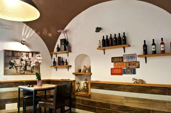 Mimì Ristorante Pizzeria: wineshop