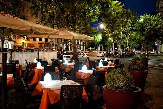 Terrazza corso italia picture of al solito posto for Corso arredatore d interni catania
