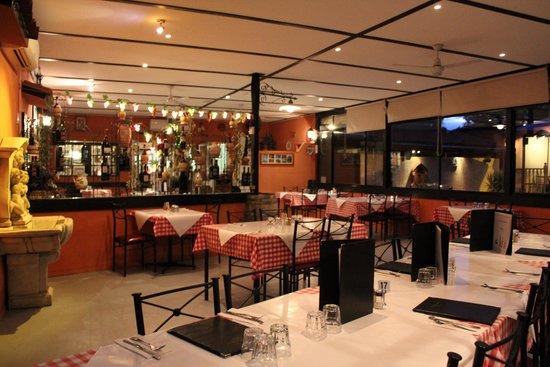 inside restaurant - Picture of La Terrazza Vineyard, Bendigo ...
