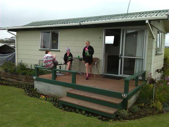 Omokoroa Kiwi Holiday Park: our room
