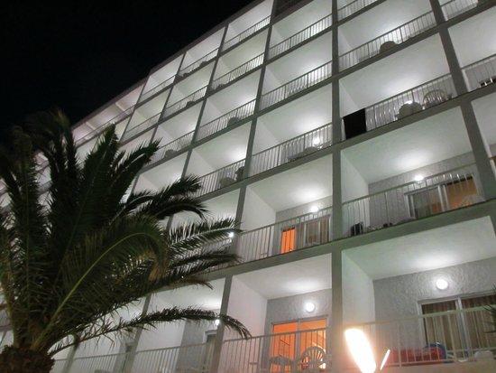 Hotel JS Miramar: Hotel von der Restaurantterrasse aus