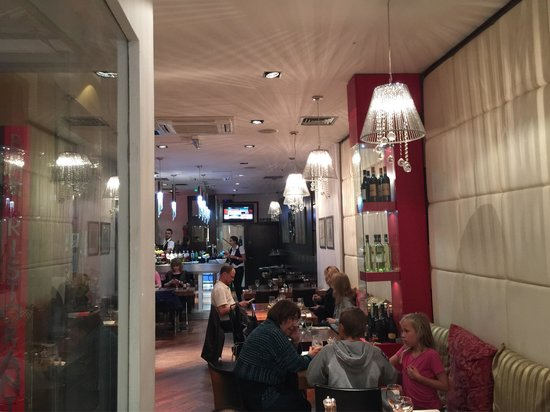 Ristorante Biagio & Bar : Front to Back internal View