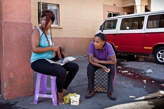 Mowbray, Südafrika: Girls in Langa