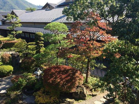 Kozan Takai Memorial Museum: 庭園(2階から)