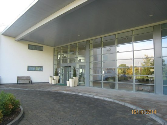 Holiday Inn Winchester : Front