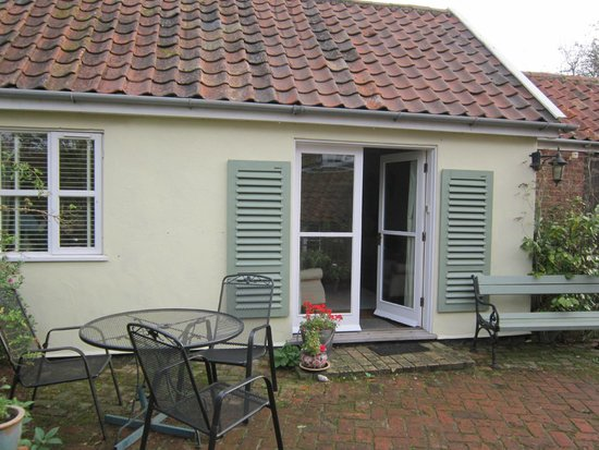 Mulleys Cottage: outside the annex