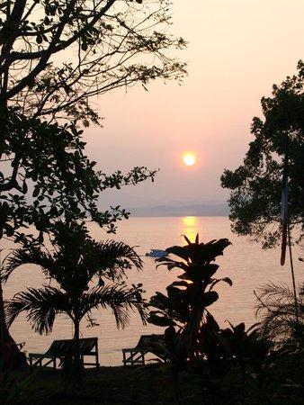Raja Laut Dive Resort: early morning