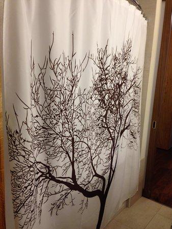 Hotel Vermont: Shower curtain