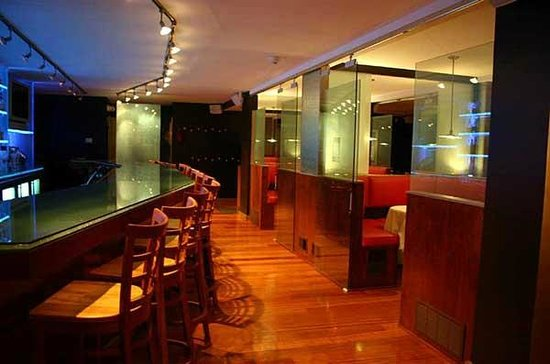 Prime Italian Steakhouse & Bar : Beautiful Bar and Private Dining Rooms