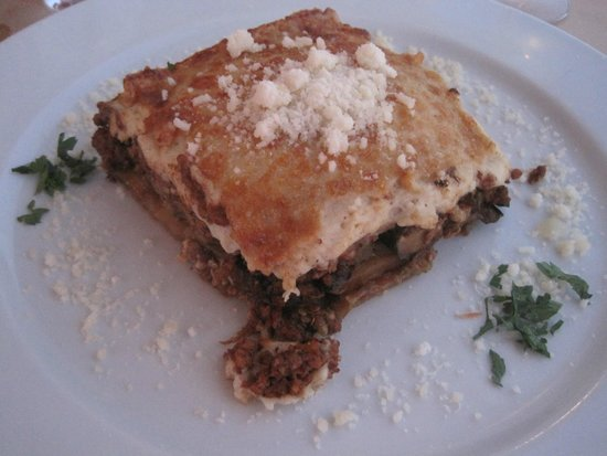 Papagalos Restaurant: Moussaka