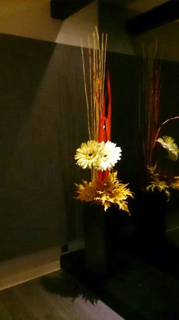 Mirage Hotel : False flower at the room, quite beautiful
