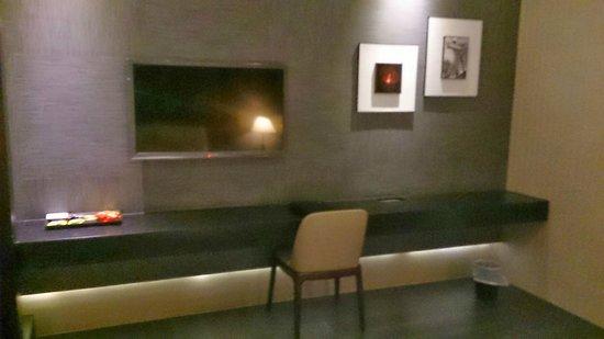 Mirage Hotel : TV