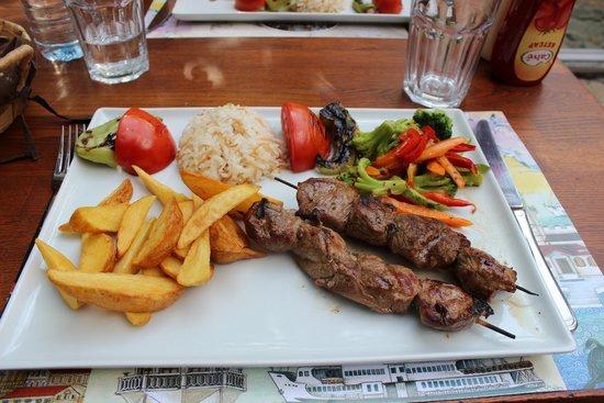 Green Corner Cafe and Restaurant: agnello