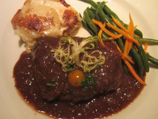 Harris' Steakhouse: Steak