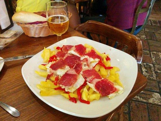 Bar El Baratillo: Huevos rotos con Jamón!!