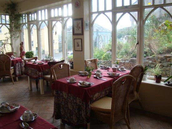 Sea Mist House: The breakfast sun room