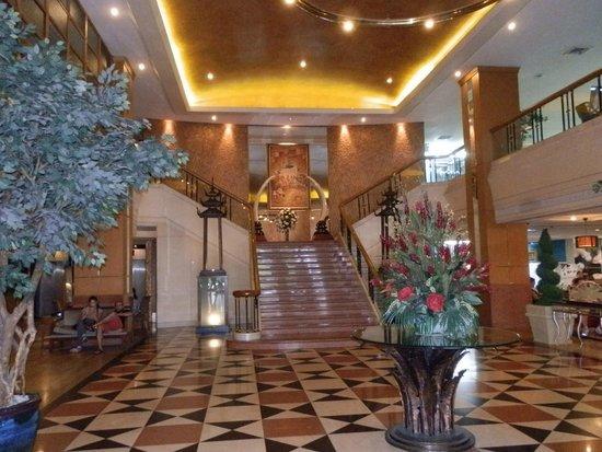 Indra Regent Hotel: Reception Area