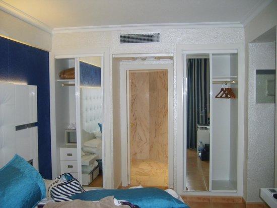 Salles Hotel Marina Portals: Our room