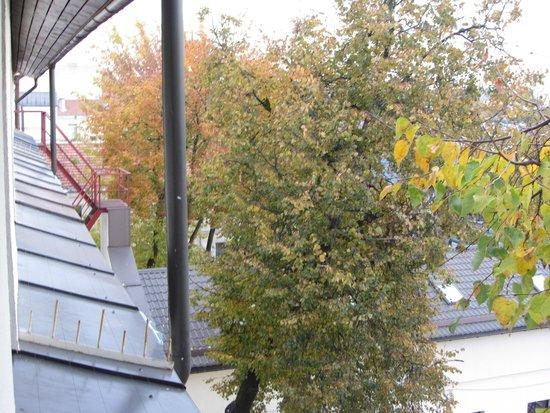 Algirdas City Hotels: Вид из окна (4-й этаж)