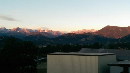Hotel Estes: Morning view from the room.