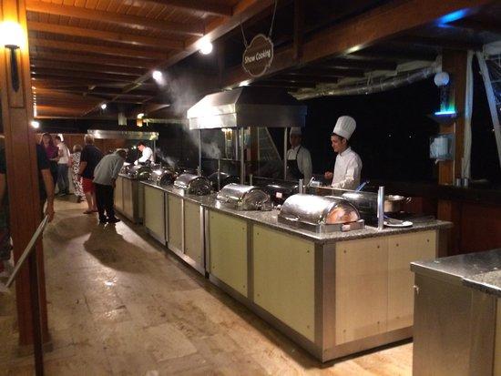 فندق تي تي هوتلز مارماريس إمبيريال: Live cooking
