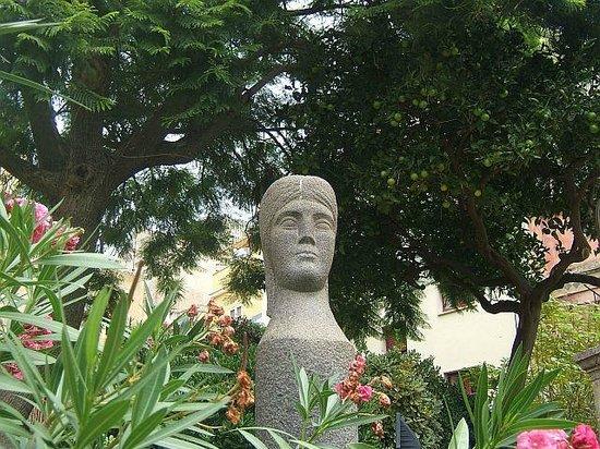 Palazzo Duchi di Santo Stefano: In the sculpture garden, Mazzullo, Taormina (photo Alfredo)