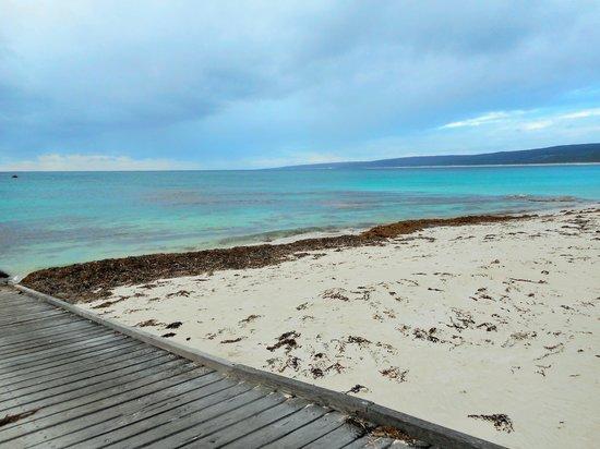 Hamelin Bay: Idyllic tranquil beach