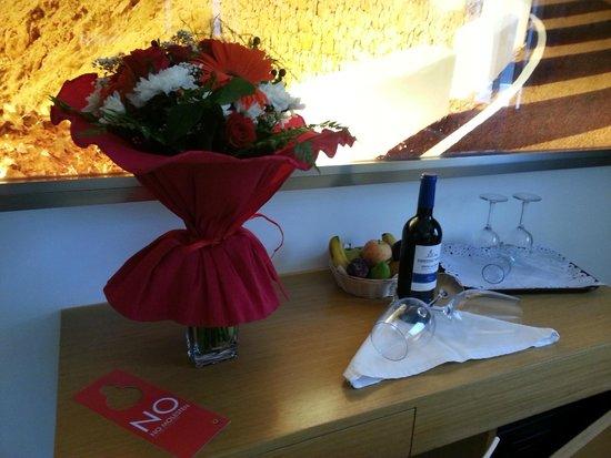 Тарахалехо, Испания: Fabuloso detalle de bienvenida de Samuel, el director del hotel.