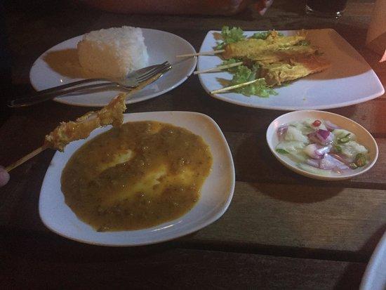 Chong Fah Restaurant: Chicken satay