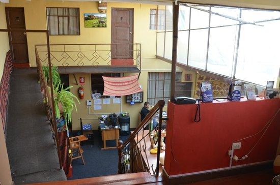 Hostal Wara Wara: Main hall / dining room