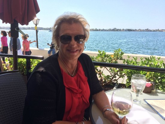Edgewater Grill : Lunch on the outdoor deck.