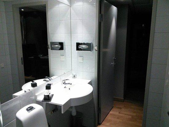 Hotel by Maude: En mycket ren toalett