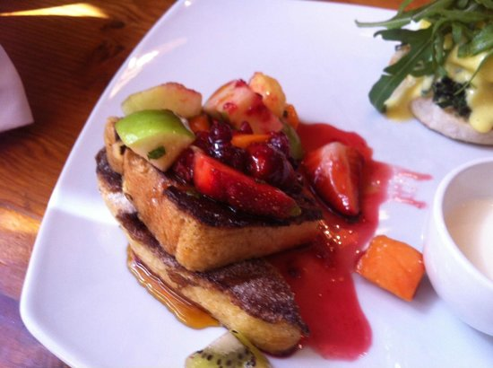 SalvationCafe: French Toast with Fruit