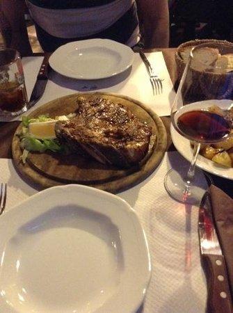 Osteria del Proconsolo: T-Bone, potatoes & grilled vegetables